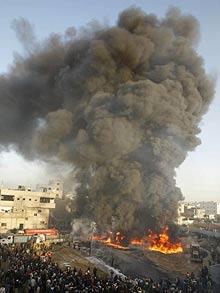 gaza-airstrike_1212508f