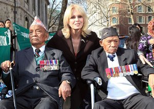 joanna-lumley-with-the-gurkha-vets-pic-getty-107700